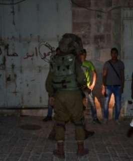 الاحتلال يعتقل 20 مواطنا من الضفة