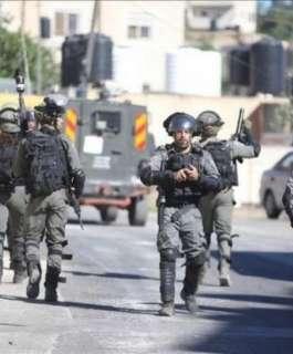 اعتقالات بالضفة ومئات المستوطنين يقتحمون قبر يوسف