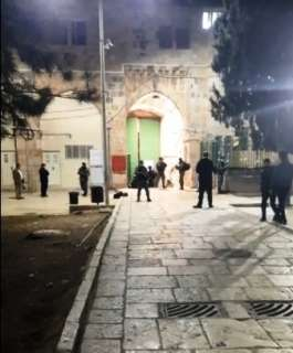 الاحتلال يصادر وجبات الصائمين في باب الأسباط