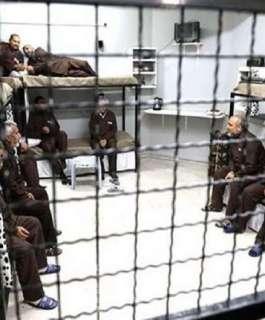 """نادي الأسير: إدارة سجن """"ريمون"""" تُماطل في أخذ عينات من الأسرى في قسم (4)"""