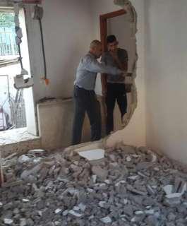 مقدسي يهدم منزله في بيت حنينا بضغط من الاحتلال