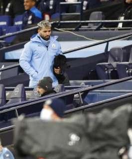 برشلونة يبدي اهتمامه بضم أغويرو