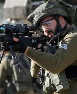الاحتلال يستعين بمئات الجنود للقبض على منفذ عملية زعترا