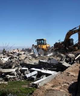"""الاحتلال يهدم 11 """"كشكا"""" في عانين غرب جنين"""