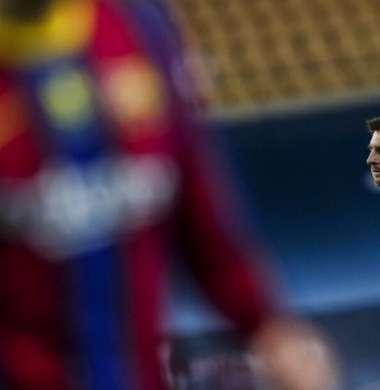 ميسي يضع شرطا للبقاء مع برشلونة
