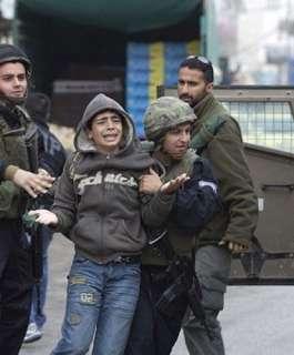 الاحتلال يعتقل فلسطينيًا بزعم محاولته تنفيذ عملية طعن في نابلس