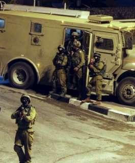 الاحتلال يقتحم قرية دير أبو مشعل غرب رام الله واندلاع مواجهات