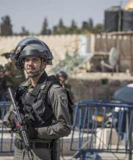 القدس: افراجات بشرط الإبعاد