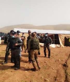 جيش الاحتلال يعتدي على المواطنين بخيمة التضامن مع عائلة عليان في القدس