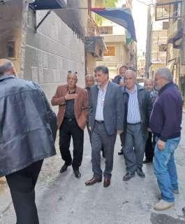 السفير عبد الهادي يتفقد مخيم اليرموك ويطلع على احتياجات اللاجئين