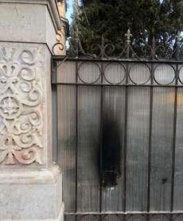 مستوطنون يعتدون على الكنيسة الرومانية في القدس