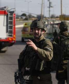 """إصابة 4 جنود من """"حرس الحدود"""" خلال مطاردة شاب في النقب"""
