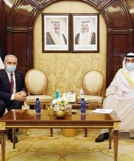 اشتية يلتقي نظيره الكويتي ويبحثان سبل تعزيز التعاون وعقد اللجنة المشتركة بين البلدين