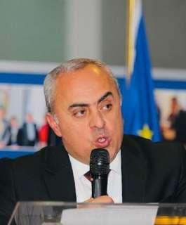 السفير الفرا يطلع رئيس حكومة اقليم والونيا البلجيكي على آخر التطورات
