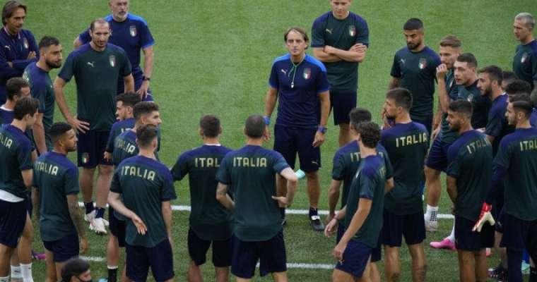 لاعبو المنتخب الإيطالي