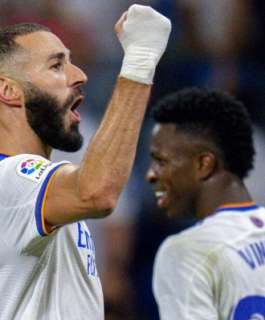 بنزيمة يثير قلق ريال مدريد
