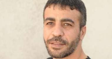 تردي الوضع الصحي للأسير ناصر أبو حميد والاحتلال يماطل بعلاجه